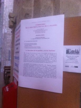 Trozo de la Doctrina Social de la Iglesia en una iglesia Catalana