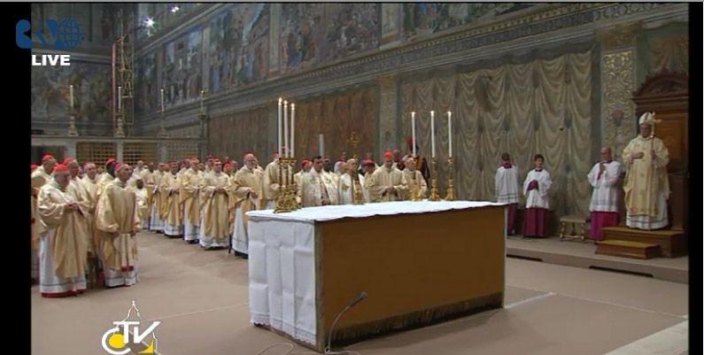 Primera misa con los cardenales en la Capilla Sixtina